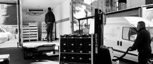 Distribuzione cibo caritas ldogiana